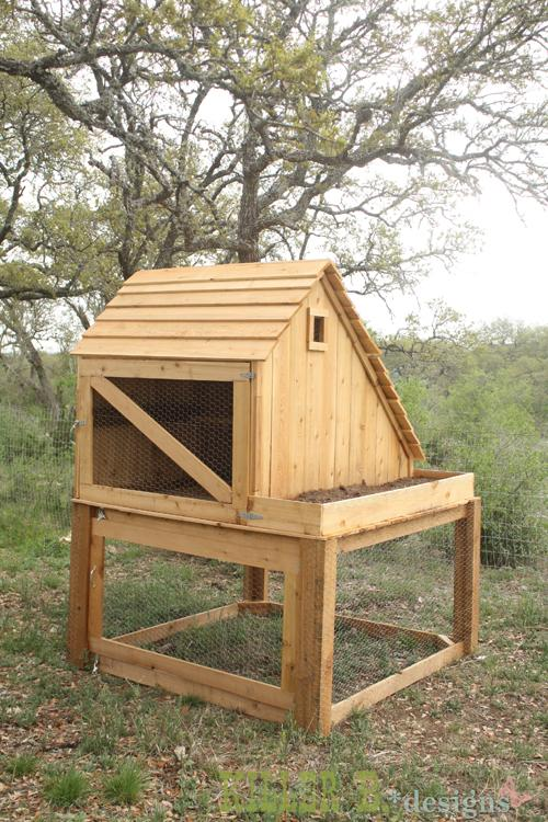 28 Saltbox Chicken Coop  Run  and Planter