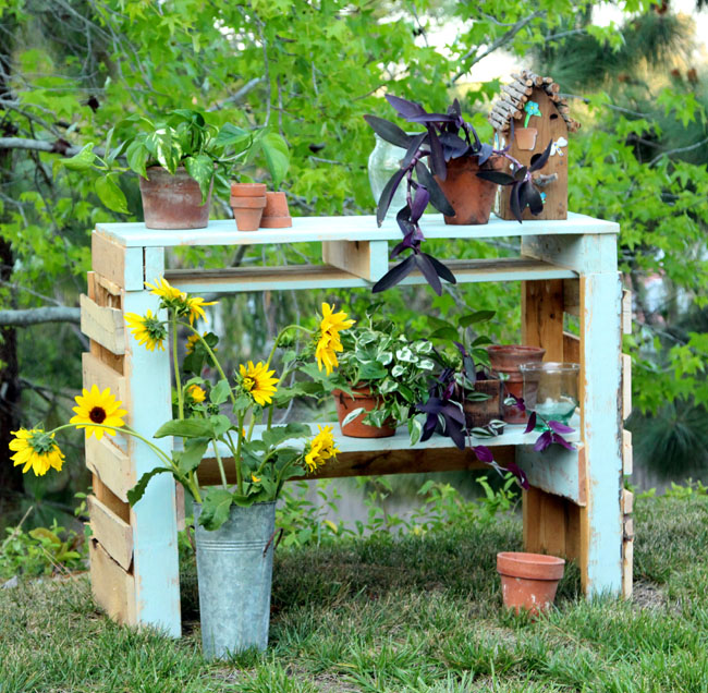 3 DIY Potting Bench Ideas To Make Gardening Work Easier