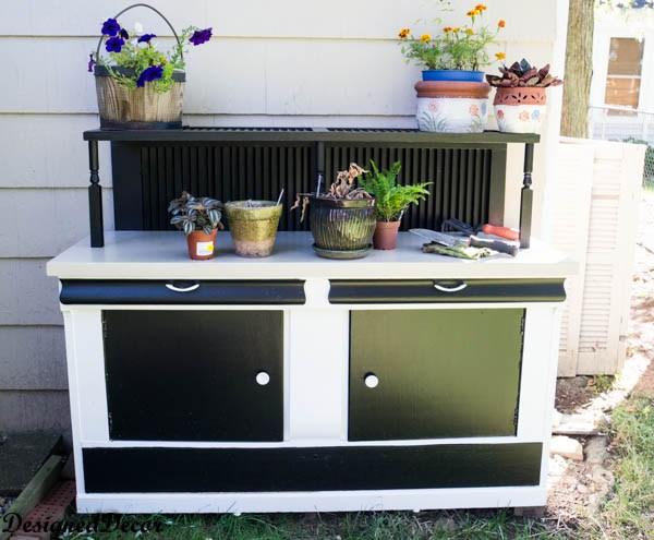 7 DIY Potting Bench Ideas To Make Gardening Work Easier