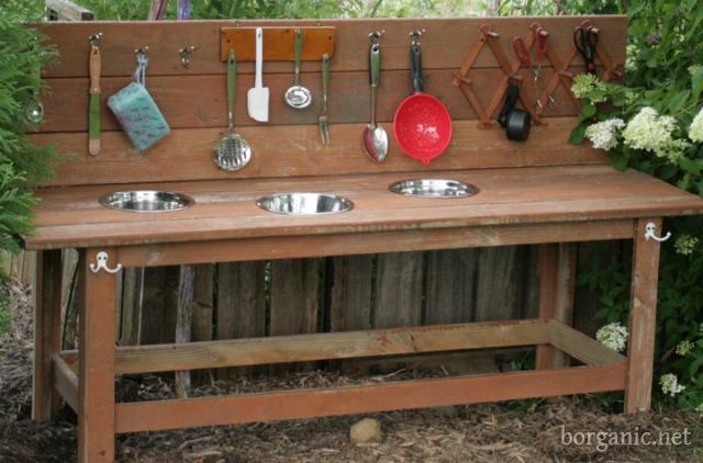 9 DIY Potting Bench Ideas To Make Gardening Work Easier