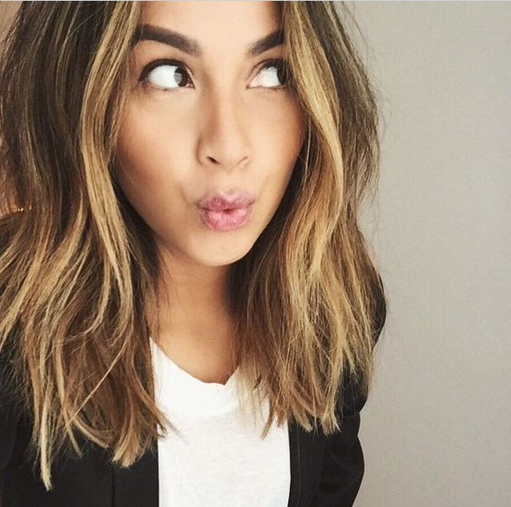 1 Most Trendy and Easy Medium length Hairstyles That We Can not Wait to Try