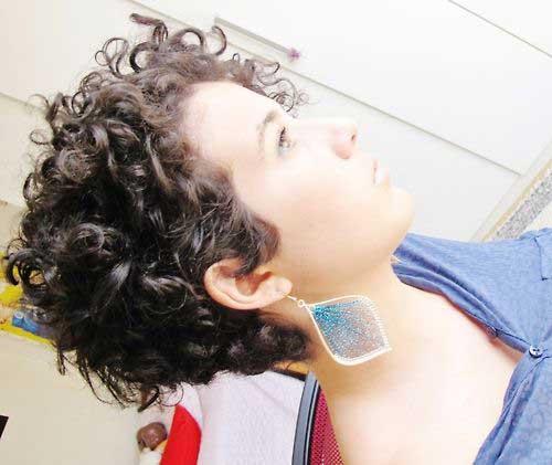 16 Cute Short Haircuts For Curly Hair