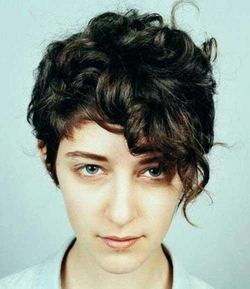 19 Cute Short Haircuts For Curly Hair
