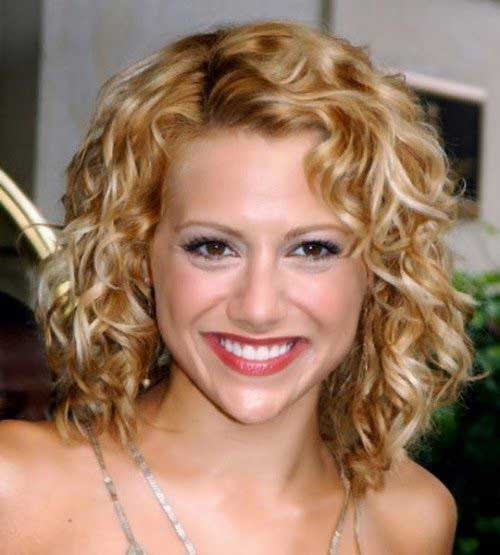 20 Cute Short Haircuts For Curly Hair