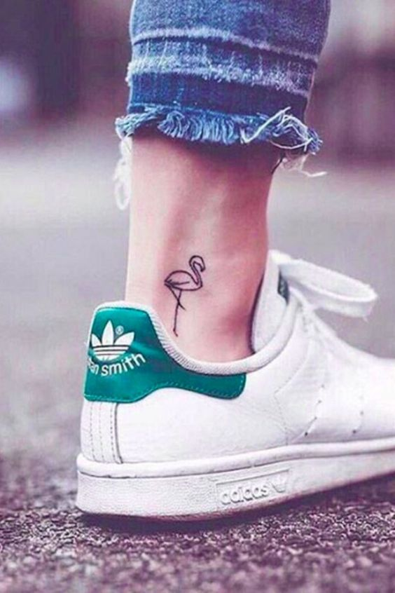 20 Tiny Ankle Tattoos That You Can Copy