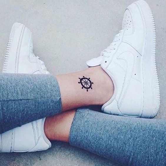 22 Tiny Ankle Tattoos That You Can Copy