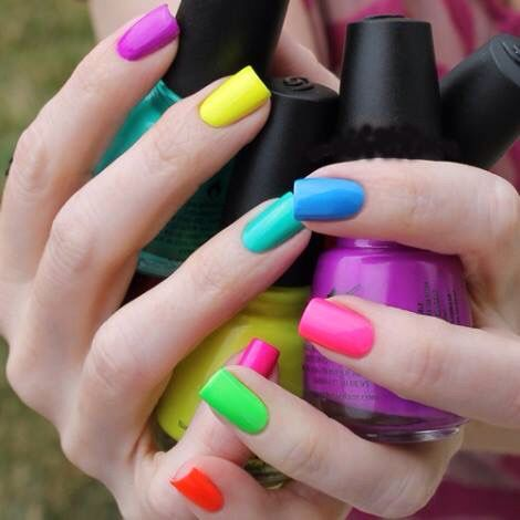 34 Charming Multicolor Simple Nail Art Designs
