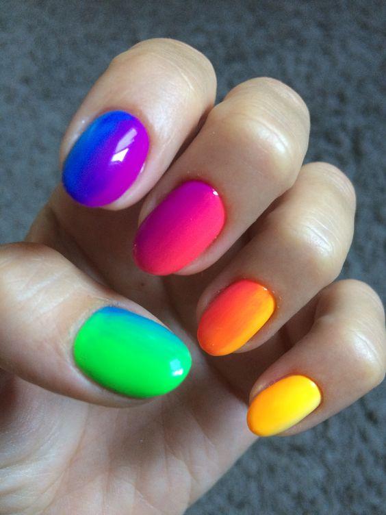 8 Charming Multicolor Simple Nail Art Designs