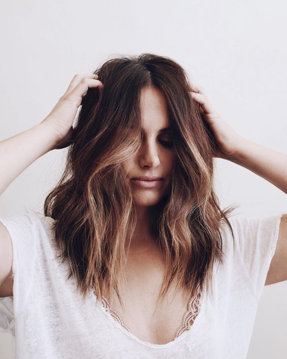 8 Most Trendy and Easy Medium length Hairstyles That We Can not Wait to Try