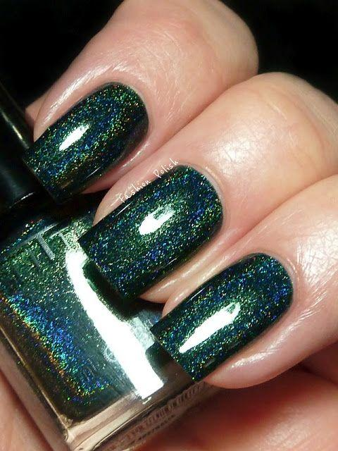 Elegant Emerald Green Nails Designs For You 12