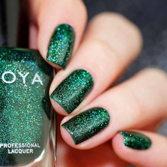 Elegant Emerald Green Nails Designs For You 15