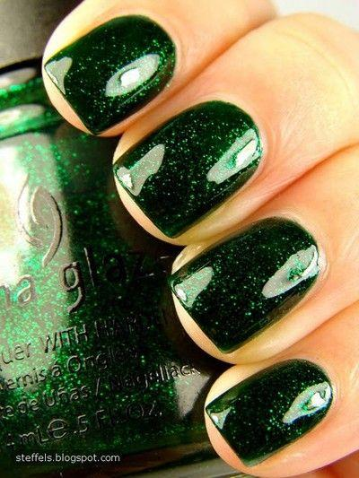 Elegant Emerald Green Nails Designs For You 4