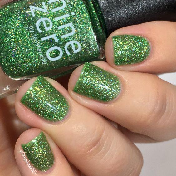 Elegant Emerald Green Nails Designs For You 5