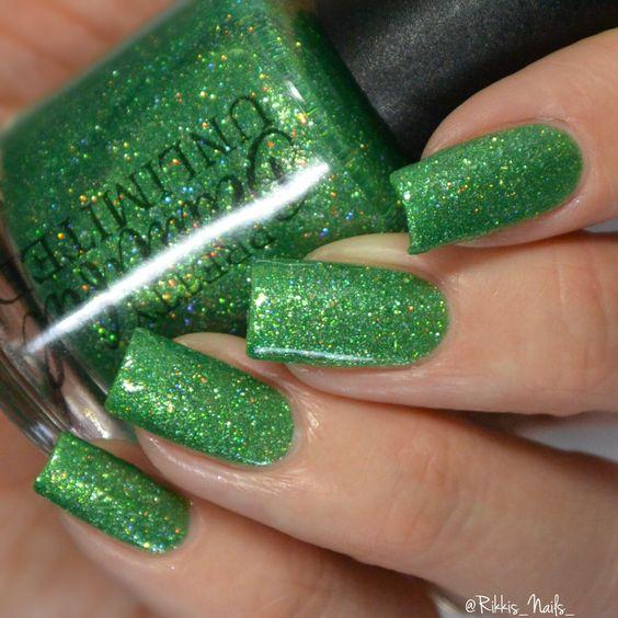 Elegant Emerald Green Nails Designs For You 7