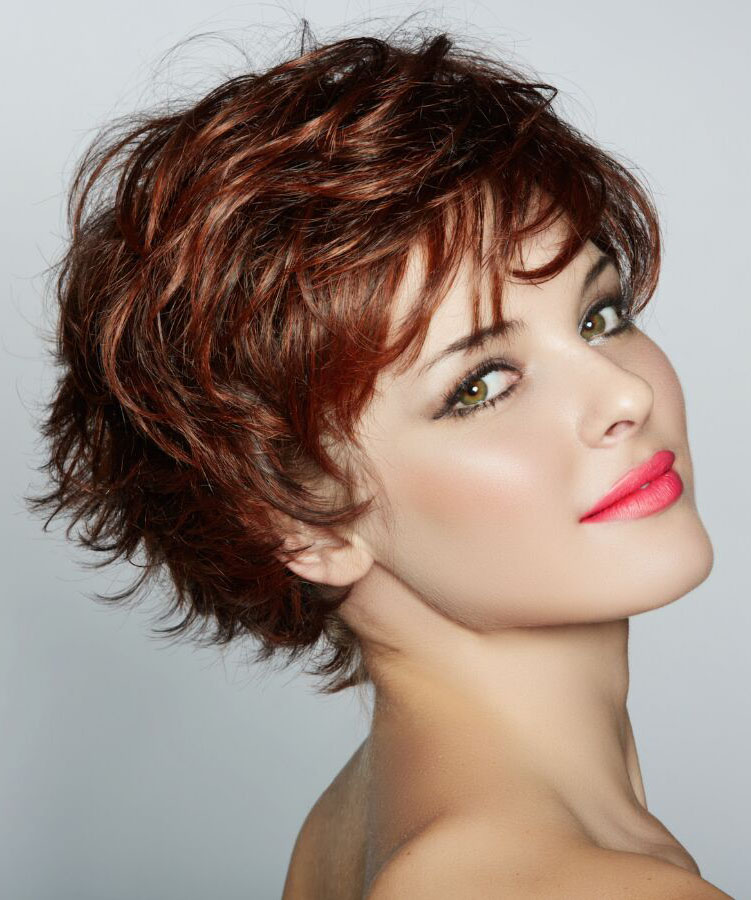 1 Easy and Trendy Short Hairstyles for Ladies
