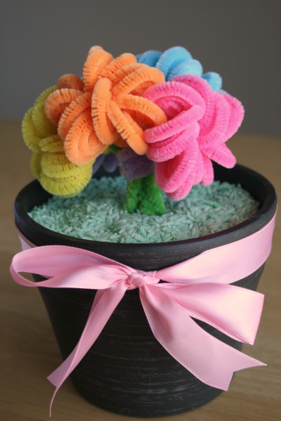 10 Insanely Adorable Pipe Cleaner Crafts To Make With Kids