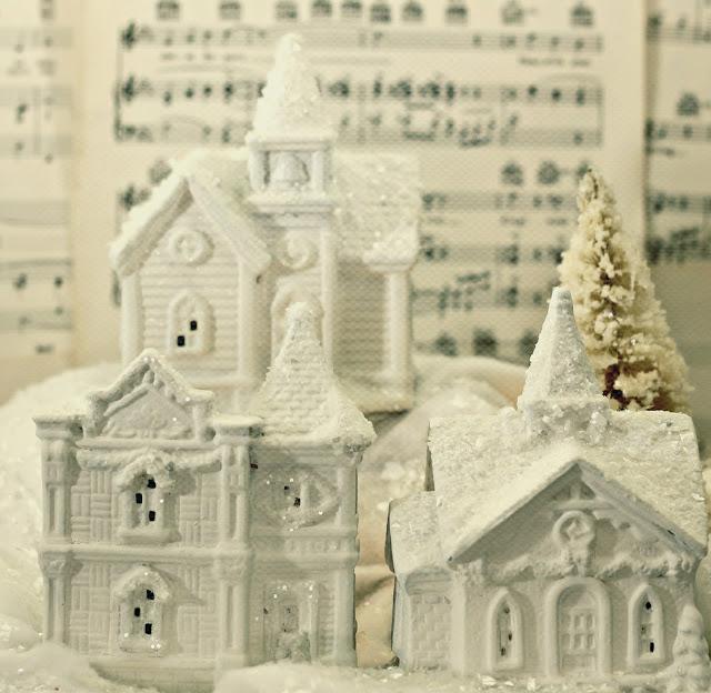 12 Amazing Dollar Tree Christmas Decor Ideas