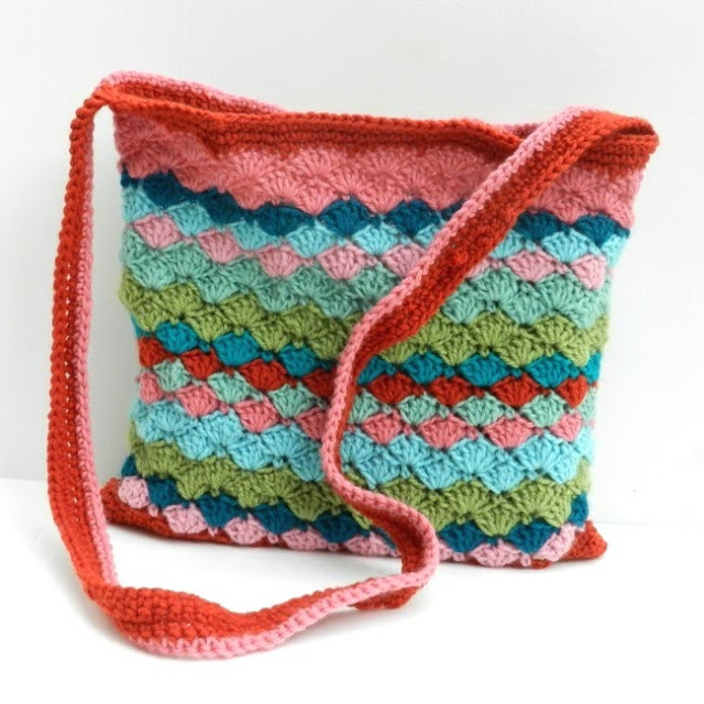 13 Free Crochet Purse  and  Bag Patterns