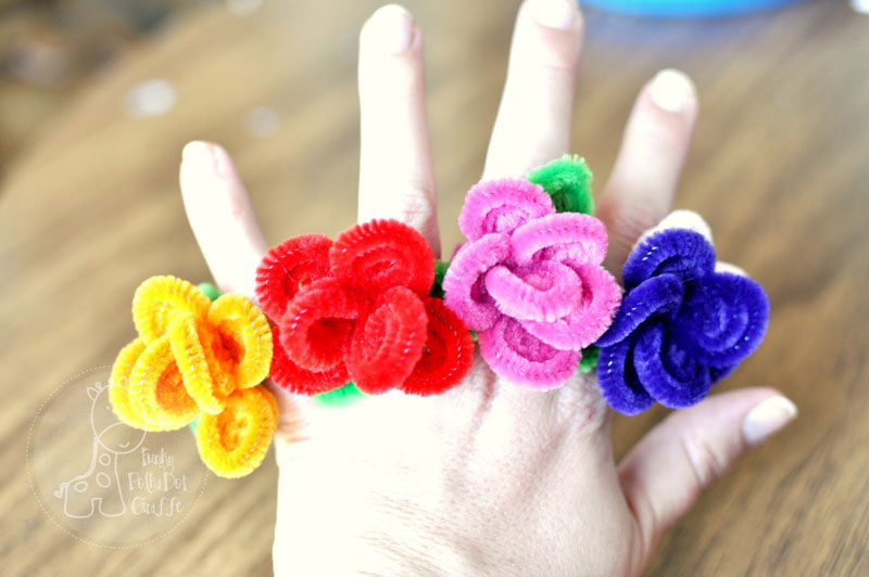 13 Insanely Adorable Pipe Cleaner Crafts To Make With Kids
