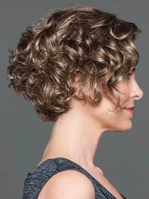 15 Easy and Cute Short Hairstyles For Round Face