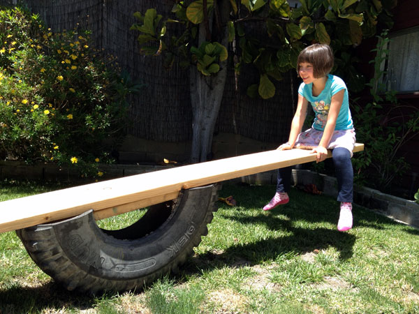 15 Fun Backyard DIY Projects to Surprise Your Kids