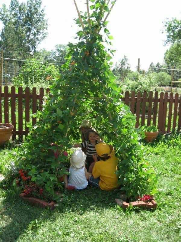 19 Fun Backyard DIY Projects to Surprise Your Kids