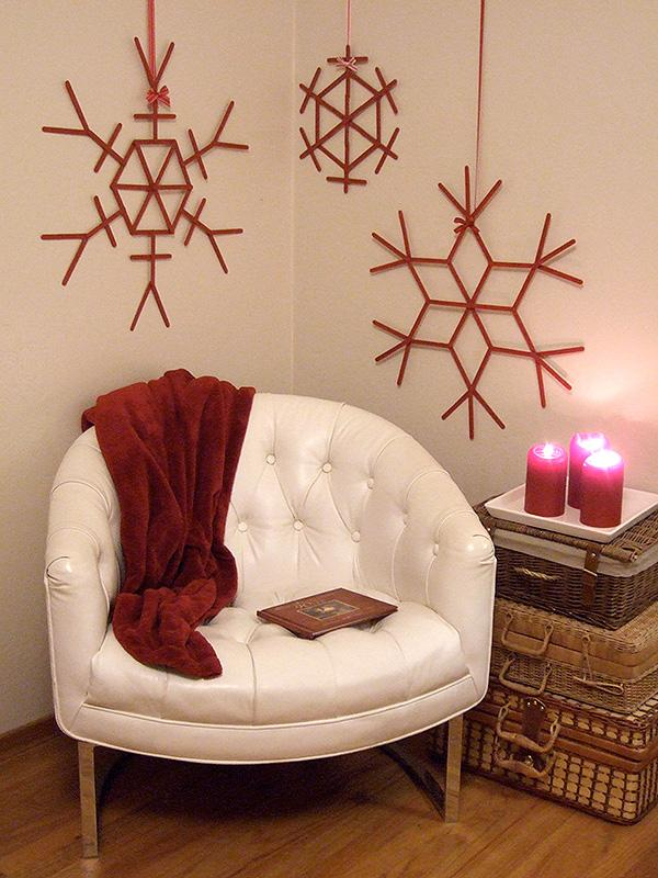 2 Creative DIY Christmas Wall Decor Ideas