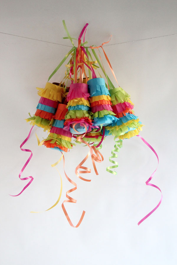 26 Pull-Pinata-garland-DIY-craft