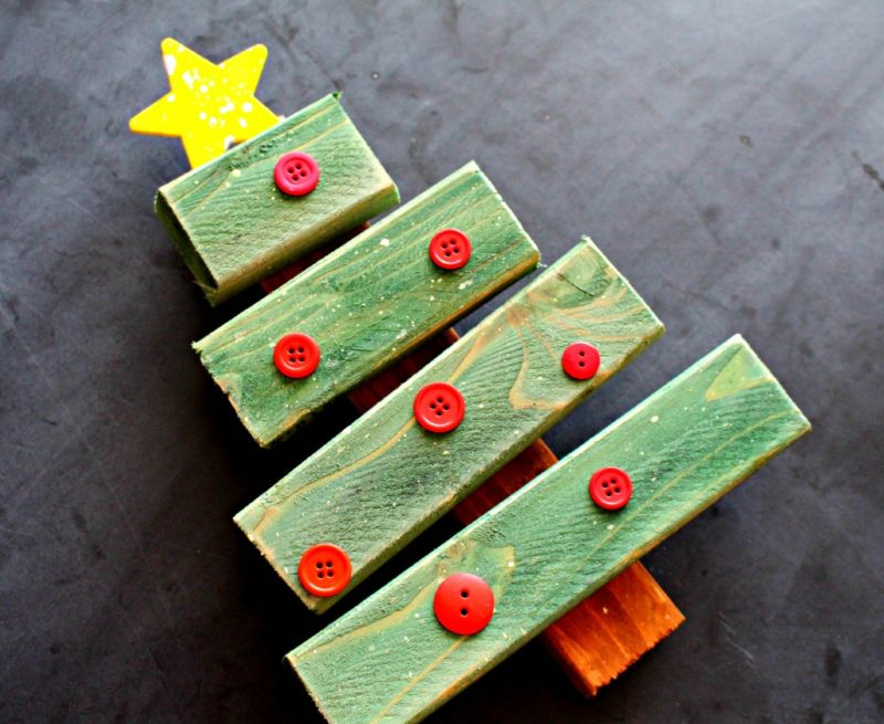 28 Christmas Tree from Scrap Wood