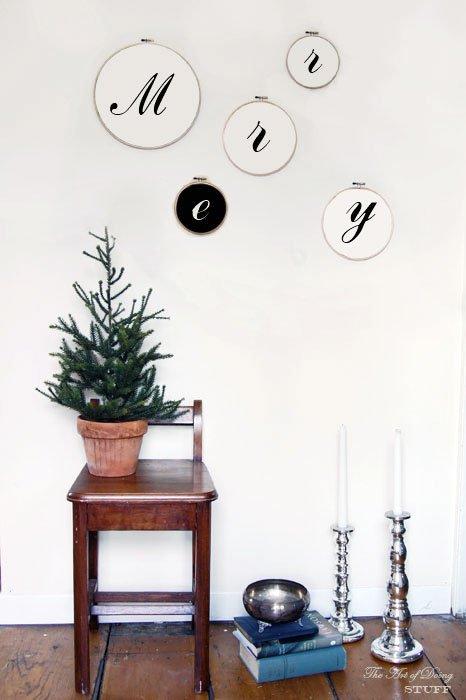 28 Creative DIY Christmas Wall Decor Ideas