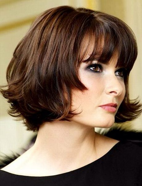 29 Easy and Cute Short Hairstyles For Round Face