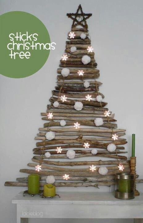 30 Creative DIY Christmas Wall Decor Ideas