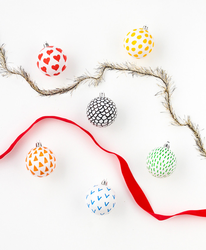 30 Easy And Affordable DIY Christmas Decorations