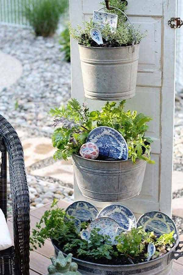 31 Genius Ways To Repurpose Galvanized Buckets and Tubs