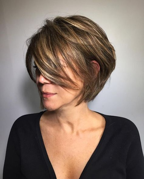 33 Easy and Trendy Short Hairstyles for Ladies