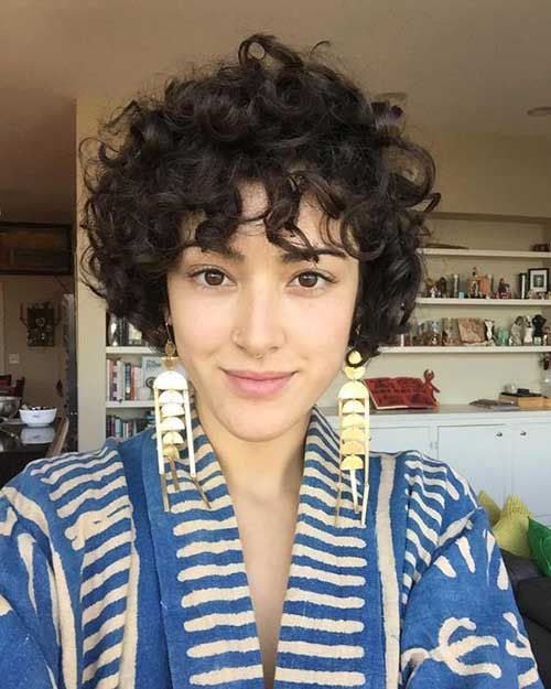 38 Easy and Cute Short Hairstyles For Round Face