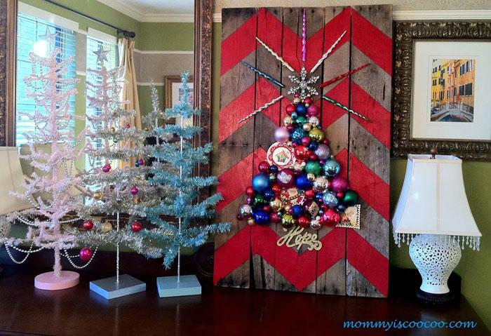 7 Amazing Christmas Pallet Projects
