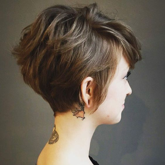 7 Easy and Cute Short Hairstyles For Round Face