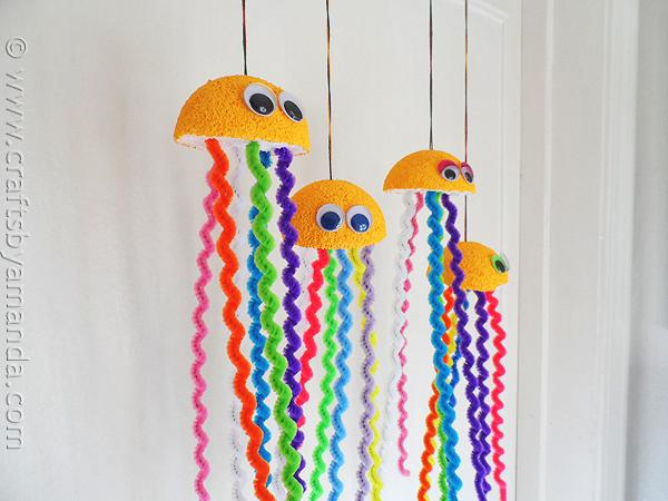 7 Insanely Adorable Pipe Cleaner Crafts To Make With Kids