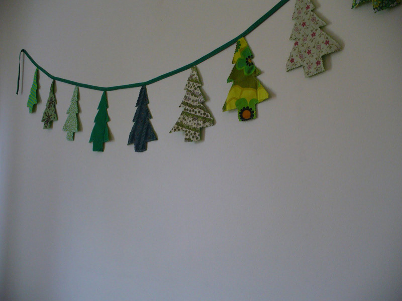 30 Amazing Diy Christmas Wall Decor Ideas Page 7 Foliver Blog