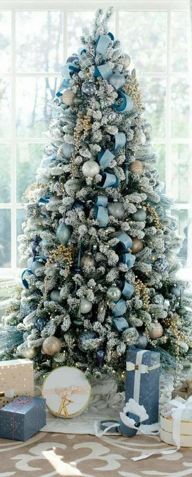 Amazing Christmas Tree Decoration Ideas 11