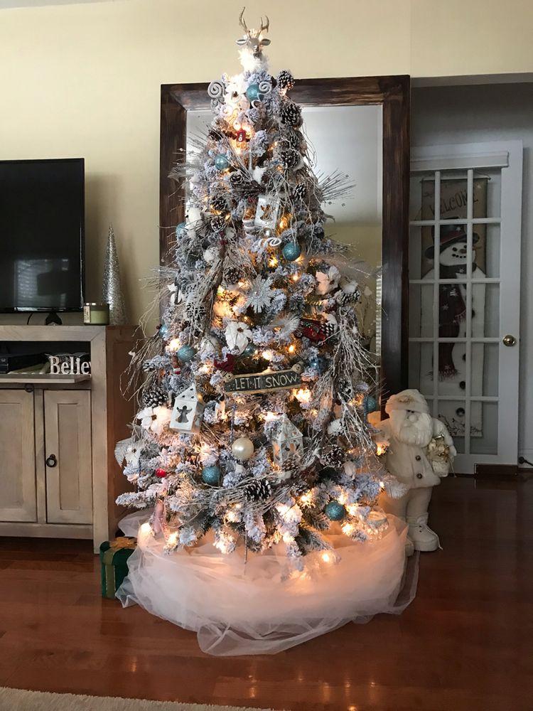 Amazing Christmas Tree Decoration Ideas 6