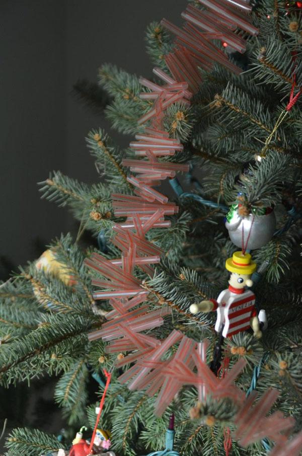 Festive Trash-To-Treasure Christmas Crafts 03