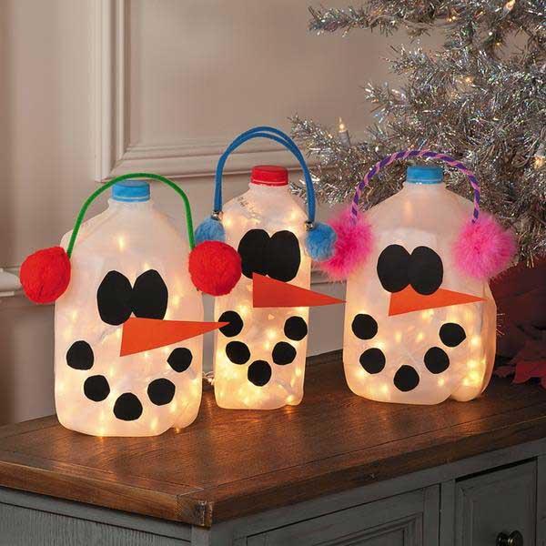 Festive Trash-To-Treasure Christmas Crafts 07
