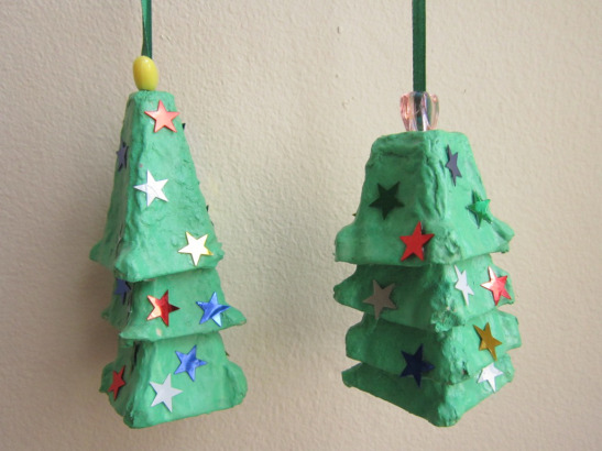 Festive Trash-To-Treasure Christmas Crafts 20