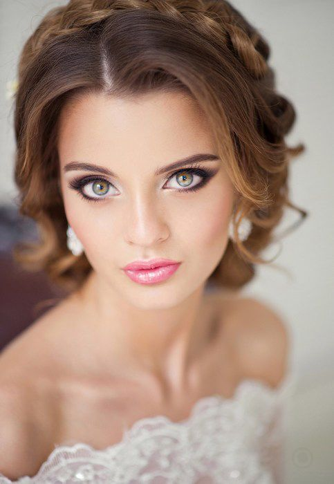 Stunning Natural Wedding Hairstyle for Bride 18