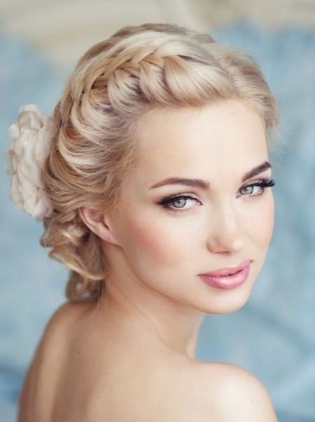 Stunning Natural Wedding Hairstyle for Bride 27