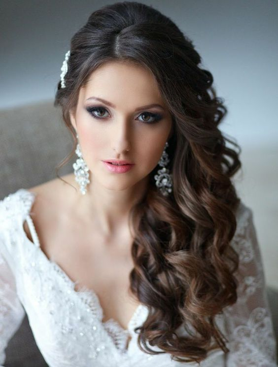 Stunning Natural Wedding Hairstyle for Bride 29