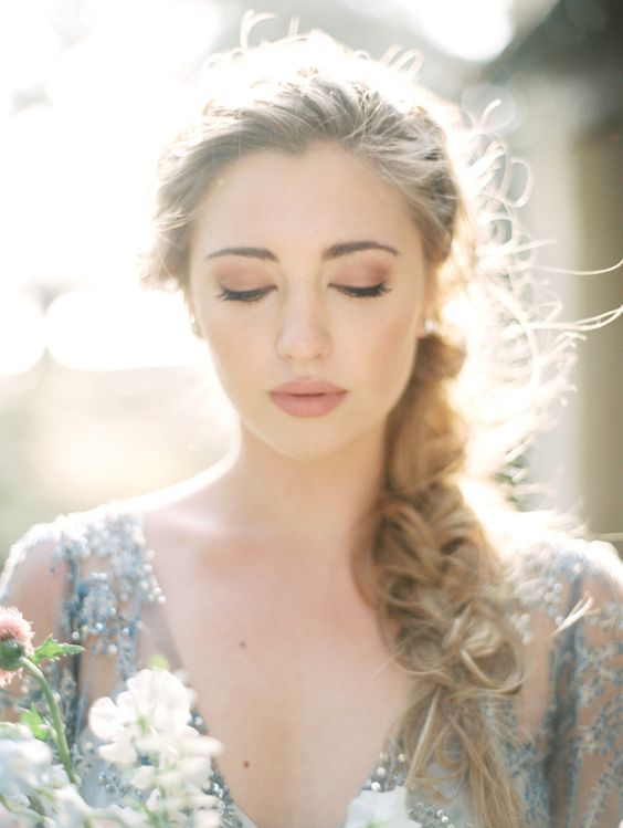 Stunning Natural Wedding Hairstyle for Bride 5