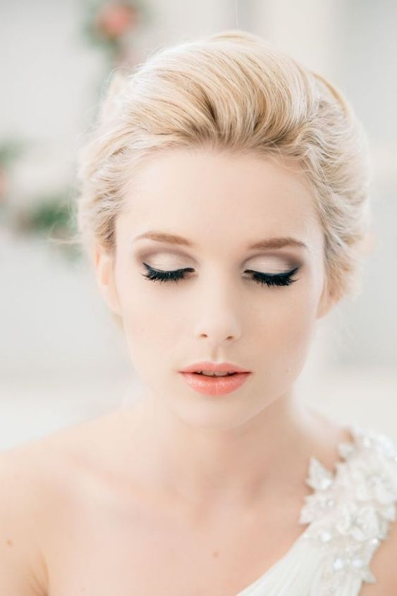 Stunning Natural Wedding Hairstyle for Bride 6